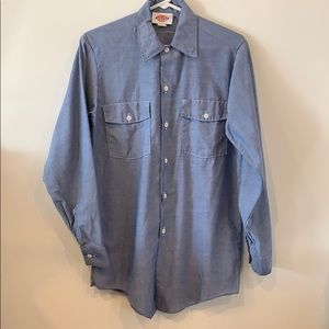 Vintage Dickies Shirt. 50% Polyester 50% Cotton.